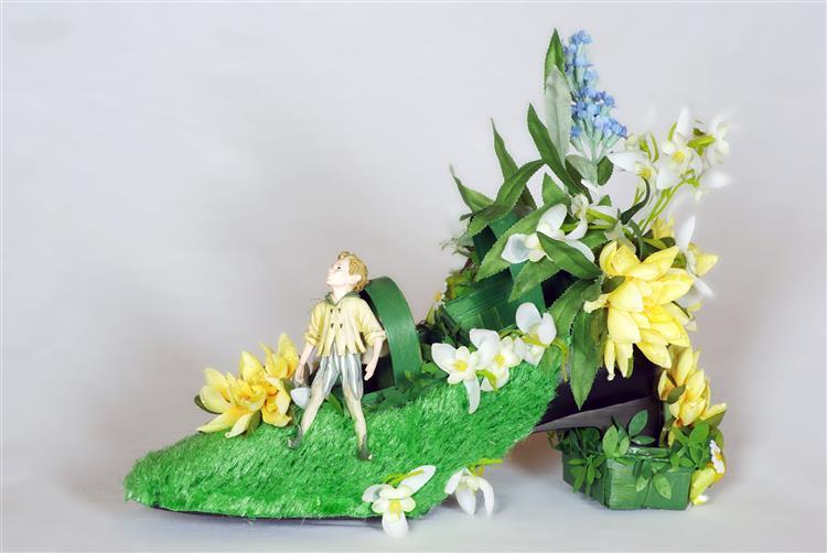 IMGP Rosa Rot Shoeded by Silvia L Lueftenegger Design Performance Contemorary Art 1239P - Silvia L. Lueftenegger RosaRot