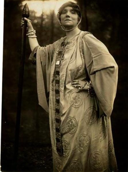 Yvette Guilbert - Alice Boughton