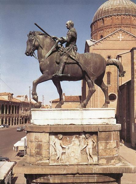 Equestrian statue of Gattamelata at Padua, 1453 - Donatello