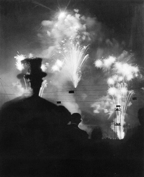 Paris de nuit, 1932