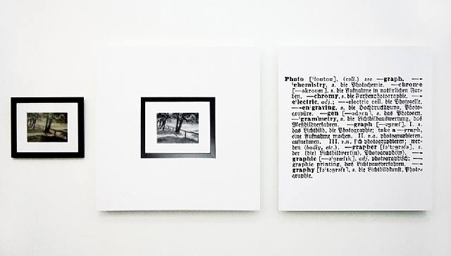 One and three photograph English-German, 1965 - Joseph Kosuth